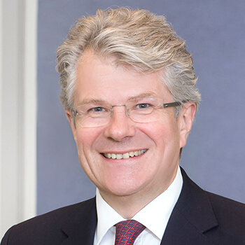 <strong><span>Constantin Veyder-Malberg</span> Capital Bank</strong><br>Sorgt mit seinem Team für eine stetig wachsende Zahl an Investoren und parallel dazu für ein Wachstum beim verwalteten Vermögen.