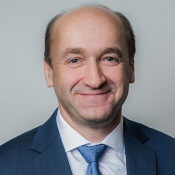 <strong><span>Ernst Huber</span> DADAT</strong><br>Baute als Pionier des Direct Banking in Österreich erfolgreich einen neuen Broker auf.