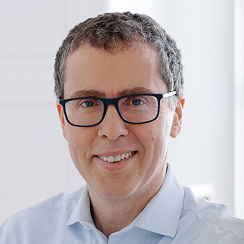 <strong><span>Günther Lindenlaub</span> Finnest</strong><br>Ermöglicht dem Mittelstand erleichterten Zugang zu frischem Kapital und hat das größte europäische Crowdinvesting abgewickelt.
