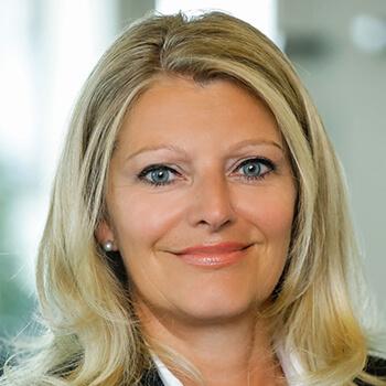 <strong><span>Karin Lang</span> Helvetia Versicherung</strong><br>Setzt im Außenauftritt konsequent auf die Tugenden Einfachheit und Klarheit – und das zahlt sich für die Marke aus.