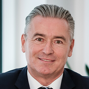 <strong><span>Manfred Nosek</span> bankdirekt.at</strong><br>Baut auf die Erfahrung und Tradition eines der ältesten Online-Wertpapierdepots des Landes.